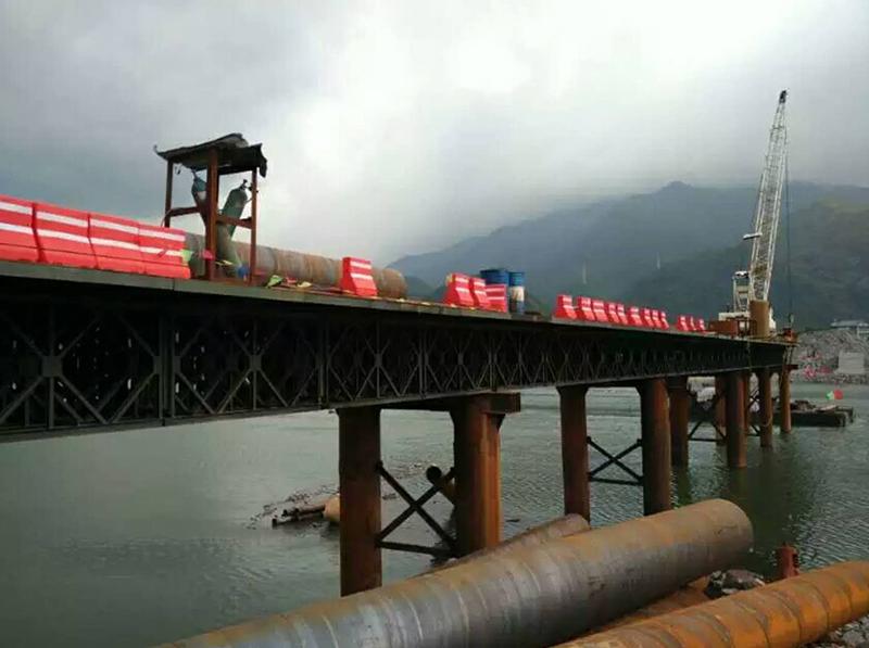 中铁十六局水腊项目上承式钢便桥