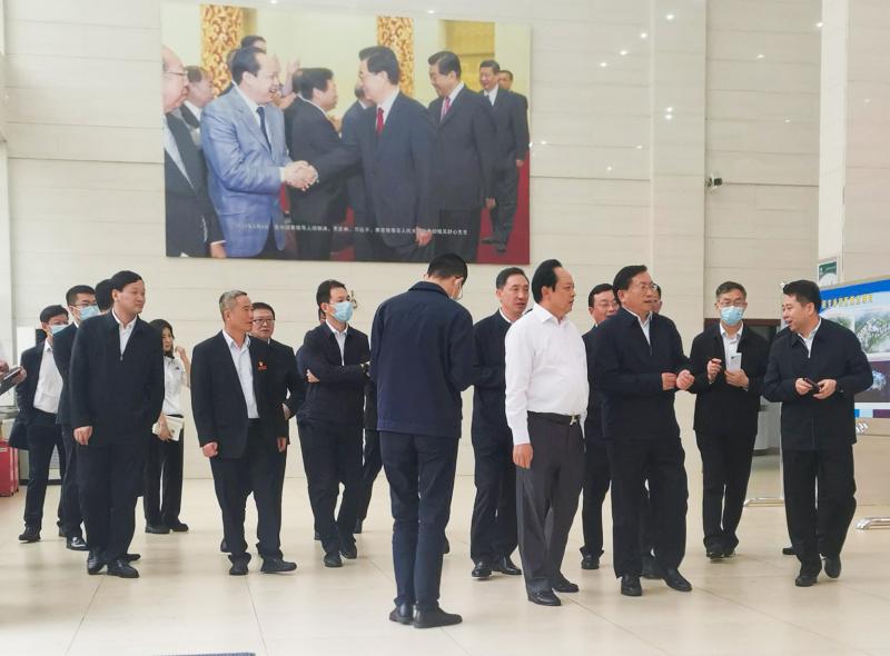 湖北省委副书记、代省长王忠林一行来金澳集团考察调研