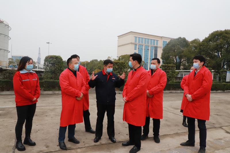 潜江市副市长雷玉成来太阳2注册官网调研疫情防控和安全生产工作